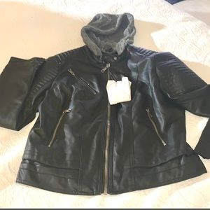 NWT Ci Sono Faux Moto Leather Jacket w/ knit hood